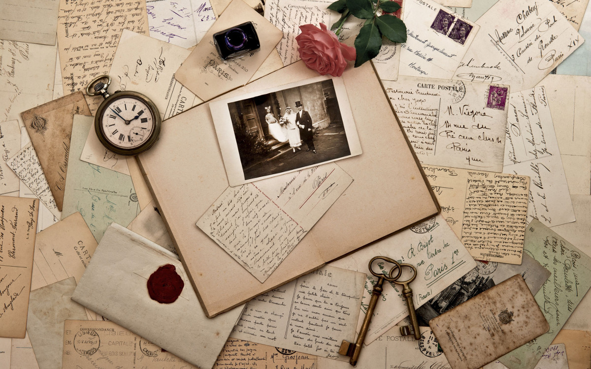Deltiologist  Sun Pixies hobbist & Django Fontina Artist